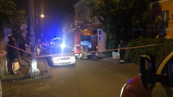 В Ростове за ночь сгорел доходный дом Евгеньева. Пожар тушили больше 100 человек