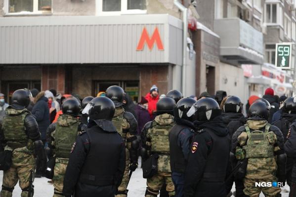 23 января силовики патрулировали улицы до позднего вечера<br>