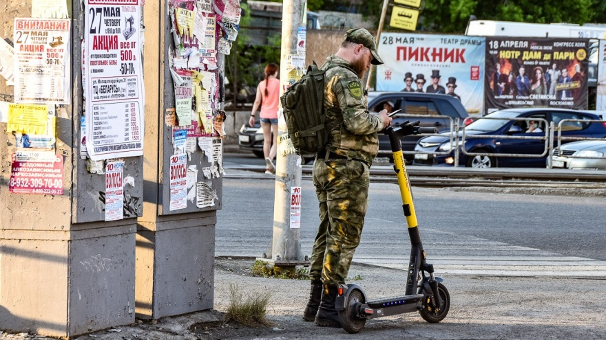 Пустили дело на самокат: силовики и правозащитники объявили войну кикшерингу