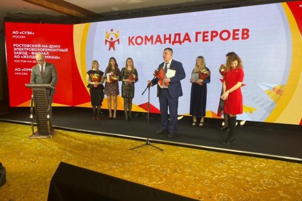 Победа в проекте«Героям — быть!» — не первая.Ранее волонтеры СУЭК получили президентские грамоты и медали за бескорыстный вклад в акцию #МыВместе