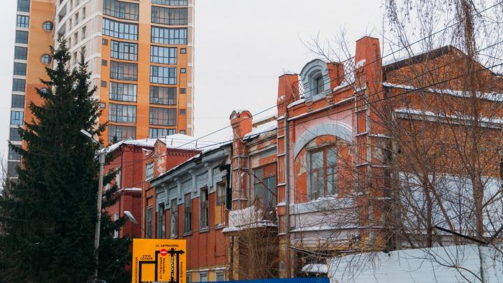 Заброшенный Омск: история доходного дома на краю котлована