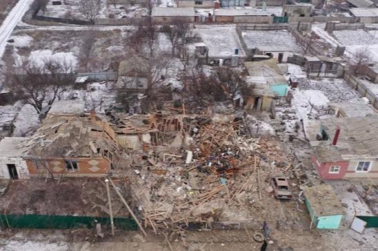 Дом от взрыва сложился, как карточный домик