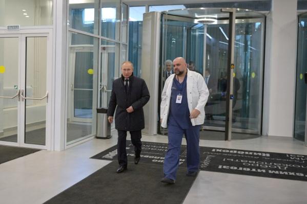 Денис Проценко — главврач московской Коммунарки. Его называют «символом борьбы с эпидемией коронавируса в России»