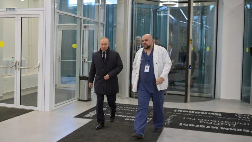 Путин назвал федеральных кандидатов «Единой России» на выборах. Среди них главврач Коммунарки