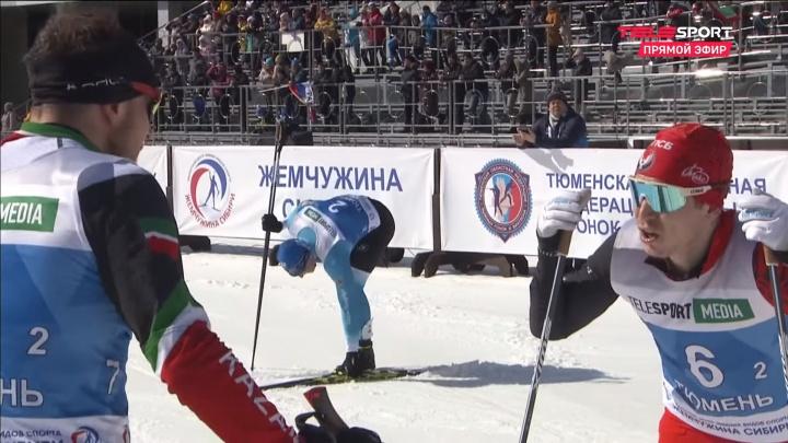 В Тюмени на чемпионате России поссорились лыжники — один сломал о другого палку