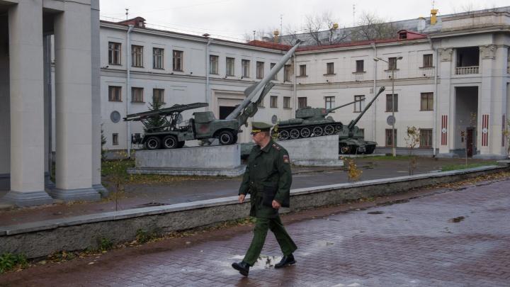В центр Екатеринбурга сгонят военные машины химзащиты. Рассказываем зачем