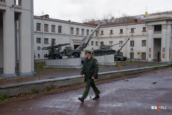 У «Дома офицеров» состоится выставка военной техники