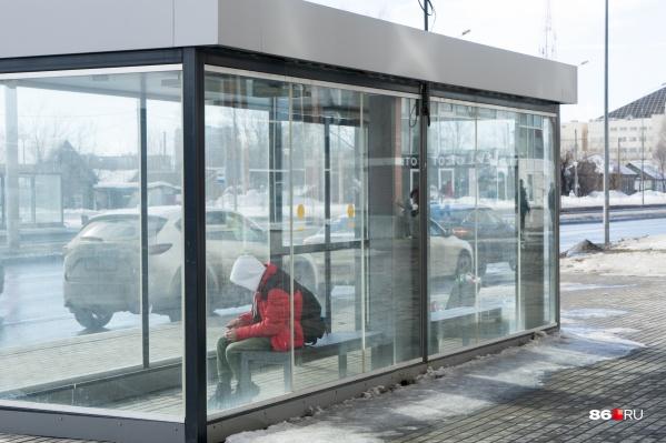 В основном камеры устанавливают на остановках общественного транспорта