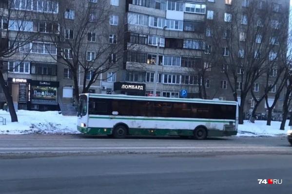 В управлении транспорта уверяют, что по городу ездят не более пяти старых автобусов