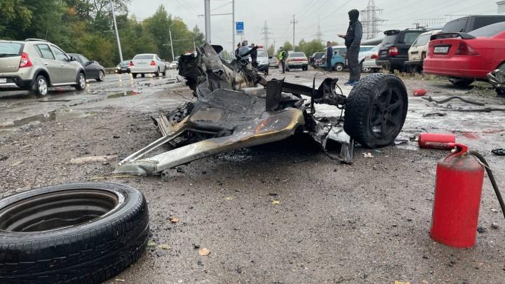 В Уфе произошла массовая авария, одна из машин загорелась. Есть видео с места