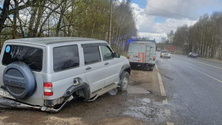 «Машина в угоне»: в Брагино после столкновения разнесло по дороге УАЗ и «Хонду». Пострадал ребенок
