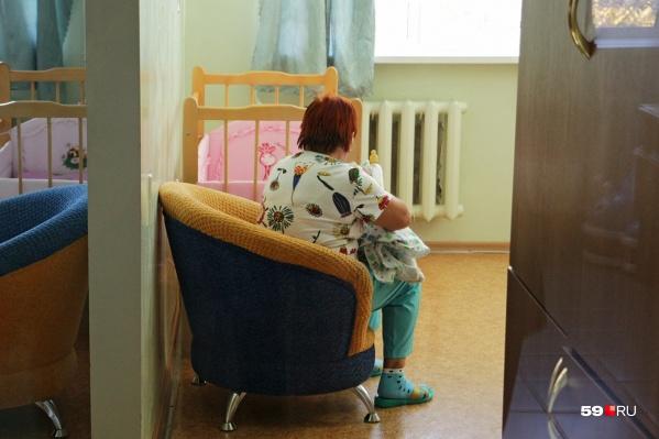 Сейчас о малыше заботятся сотрудники больницы