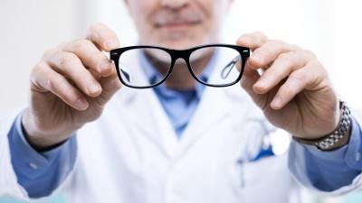 Ко дню рождения офтальмологическая клиника объявила месяц специальных цен для жителей города