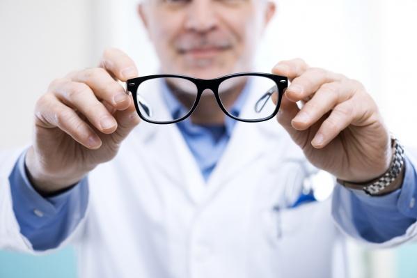 Заботиться о здоровье глаз нужно постоянно, а помогут в этом профессиональные офтальмологи