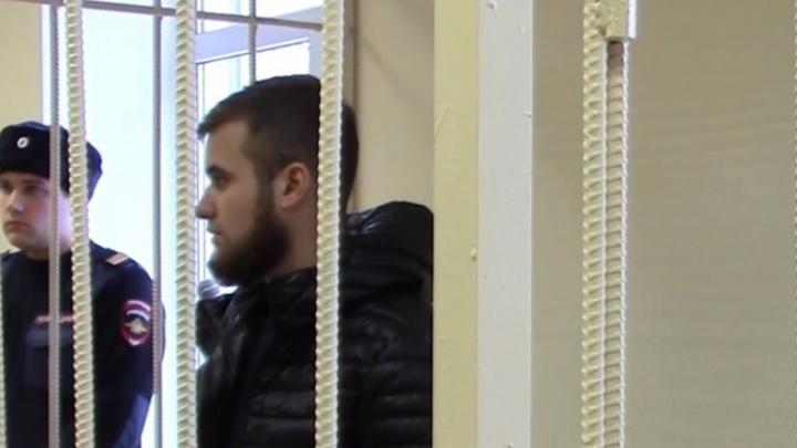 Волжанин, избивший врачей перинатального центра, попросил смягчить ему наказание