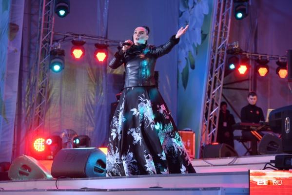 За день до концерта на День Победы у Елены Ваенги будет сольное выступление в «Космосе»