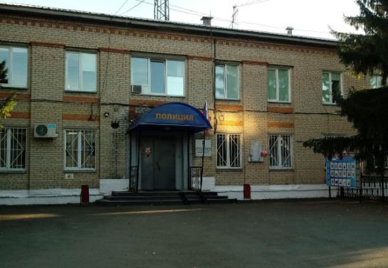В Челябинске при передаче взятки задержали адвоката и сотрудницу МВД