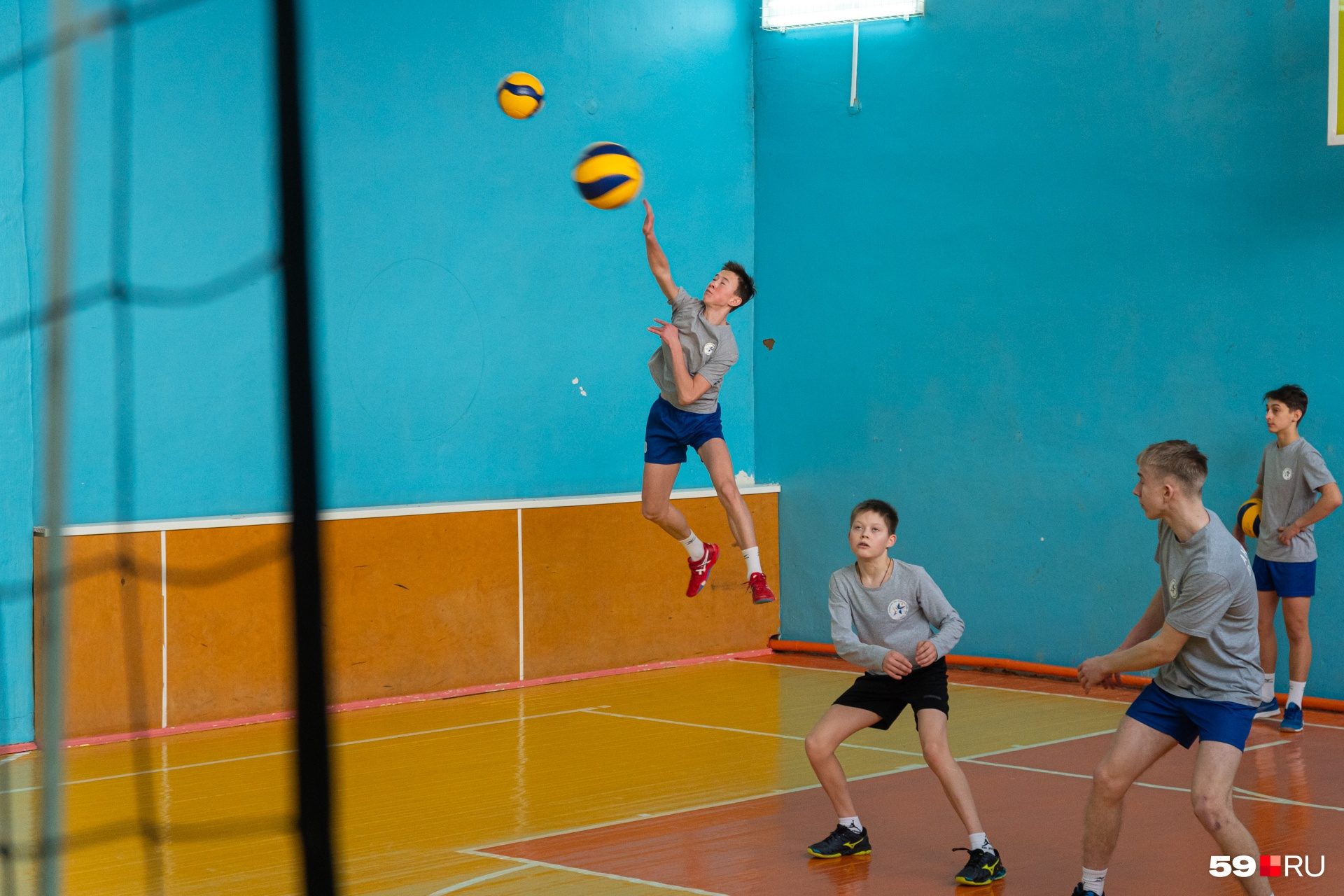 Кто сказал, что волейболисты не летают?