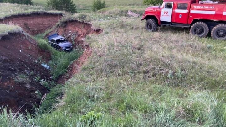 Водитель рассказал подробности ДТП в Башкирии, где машина с четырьмя детьми улетела в овраг