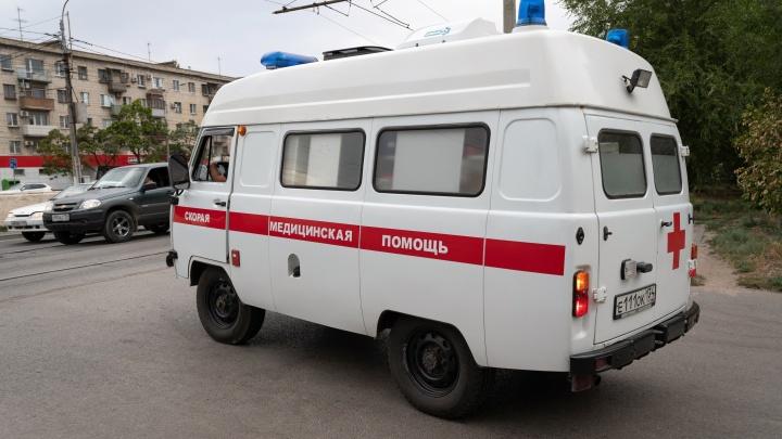 В крупном ДТП на юге Волгограда пострадали пять человек. Среди них годовалая девочка