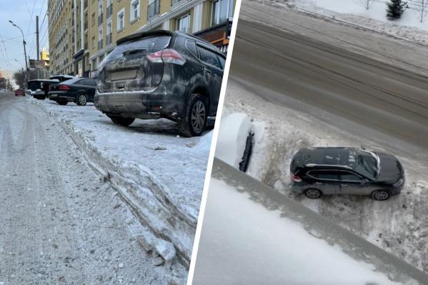 Выехать с парковки сейчас сложно