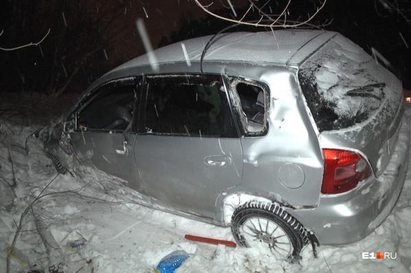 Водитель и пассажиры смогли выбраться до приезда скорой
