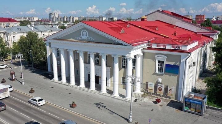 Глава Зауралья рассказал о ремонте курганских театров