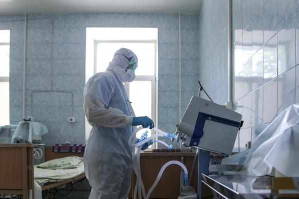 В перегруженной коронавирусной больнице на Васильевском острове сломались все аппараты КТ