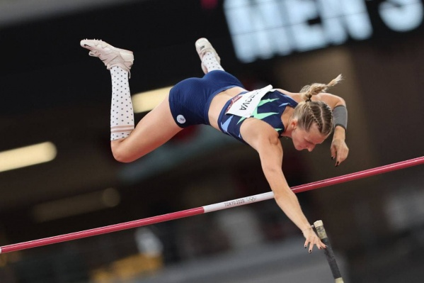 Анжелика Сидорова взяла серебро в прыжках с шестом