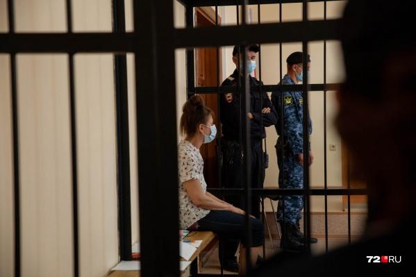 Ольга Вильямсон советовалась со своим защитником по поводу предстоящего судебного заседания