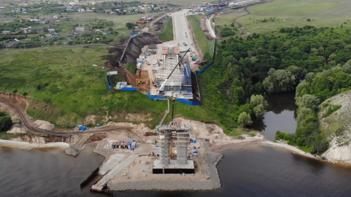 Работа не идет, а летит: строители моста у Климовки вышли на новый этап