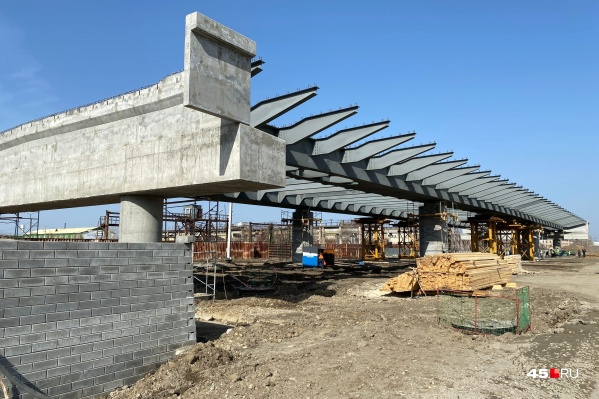 """Движение по мосту ЖБИ в Кургане закрыли <nobr class=""""_"""">в 2019 году</nobr>"""