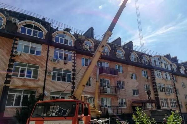 Мэр города попросил как можно быстрее отремонтировать дом