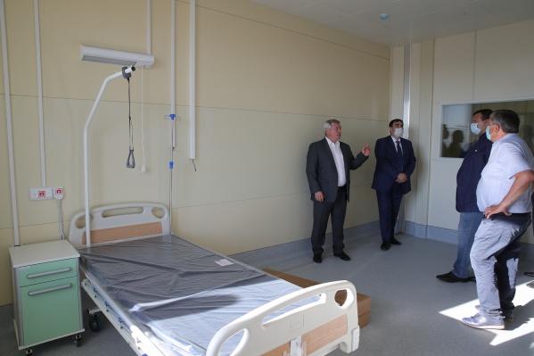 Губернатор Василий Голубев регулярно инспектирует объект