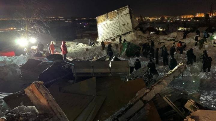 Трое членов семьи погибли в результате схода лавины под Норильском