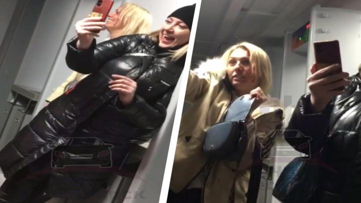 Нетрезвые красноярки выступили на «разогреве» у Artik&Asti в «Платинум Арене». Их забрал наряд полиции