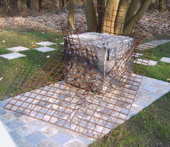 Памятник ложе «Liberté chérie» в концлагере Эстервеген
