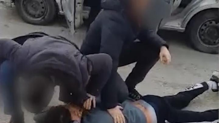 В Новороссийске задержали телефонных мошенников, обманувших волгоградца: видео