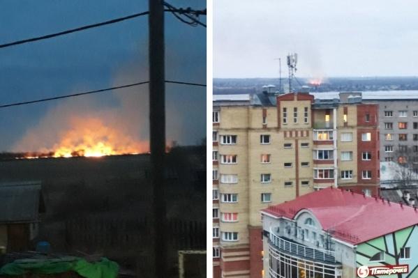 Огонь виден не только на Кегострове, но и из центра города