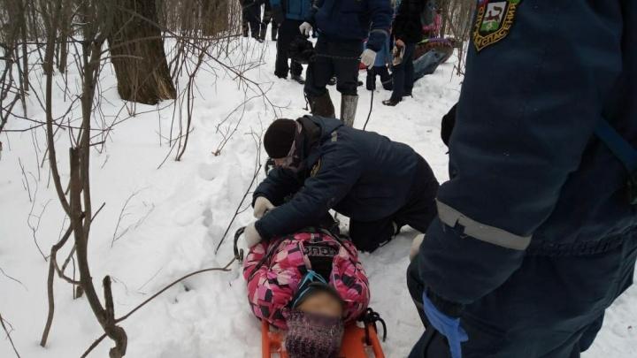 Уфимка с маленьким ребенком разбились на несанкционированной горке