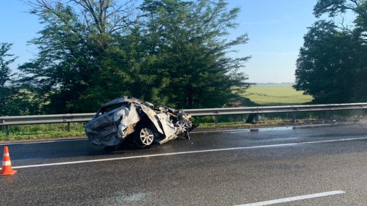 На Кубани водитель иномарки погиб в ДТП на встречке