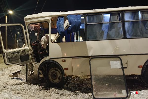 Авария произошла на Копейском шоссе