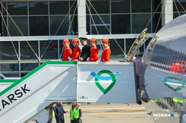 Международный хаб открыли с опозданием в один год, зато с прилетом новейшего Airbus