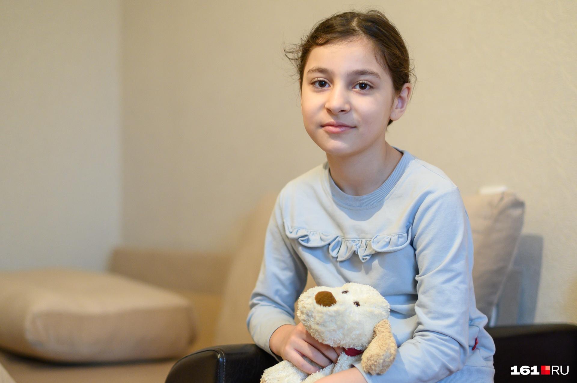 Младшая Диля мечтает найти новых друзей в новой школе