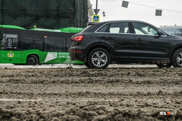 Почитайте о том, как справляться с заносами, когда дороги в городе не чистят