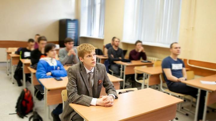 «Он упал — и пошла пена изо рта». Студенты рассказали, как магистрант УрФУ умер перед экзаменом