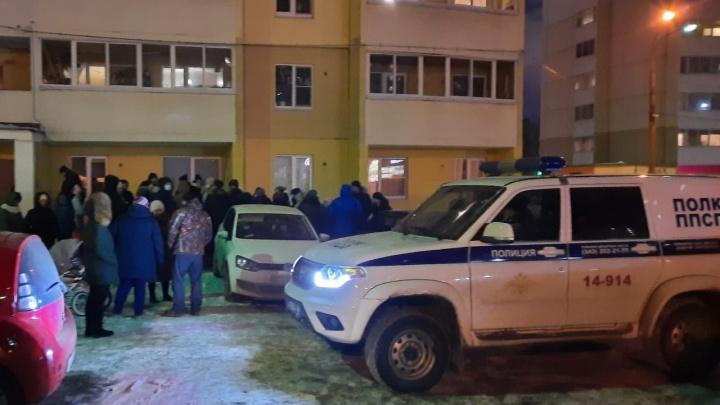 У дома на Сортировке во время общего собрания собственников побили одного из жильцов