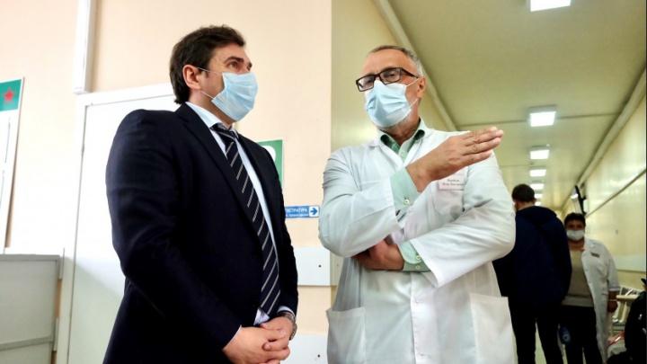 Минздрав региона начал проверять скорость работы поликлиник с ковидными пациентами