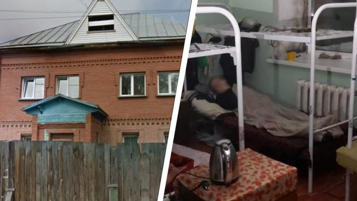 В Новосибирске вспыхнула пристройка у дома, в котором живут 32 профессиональные попрошайки