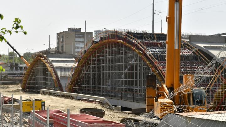 В Екатеринбурге закроют движение по Макаровскому мосту
